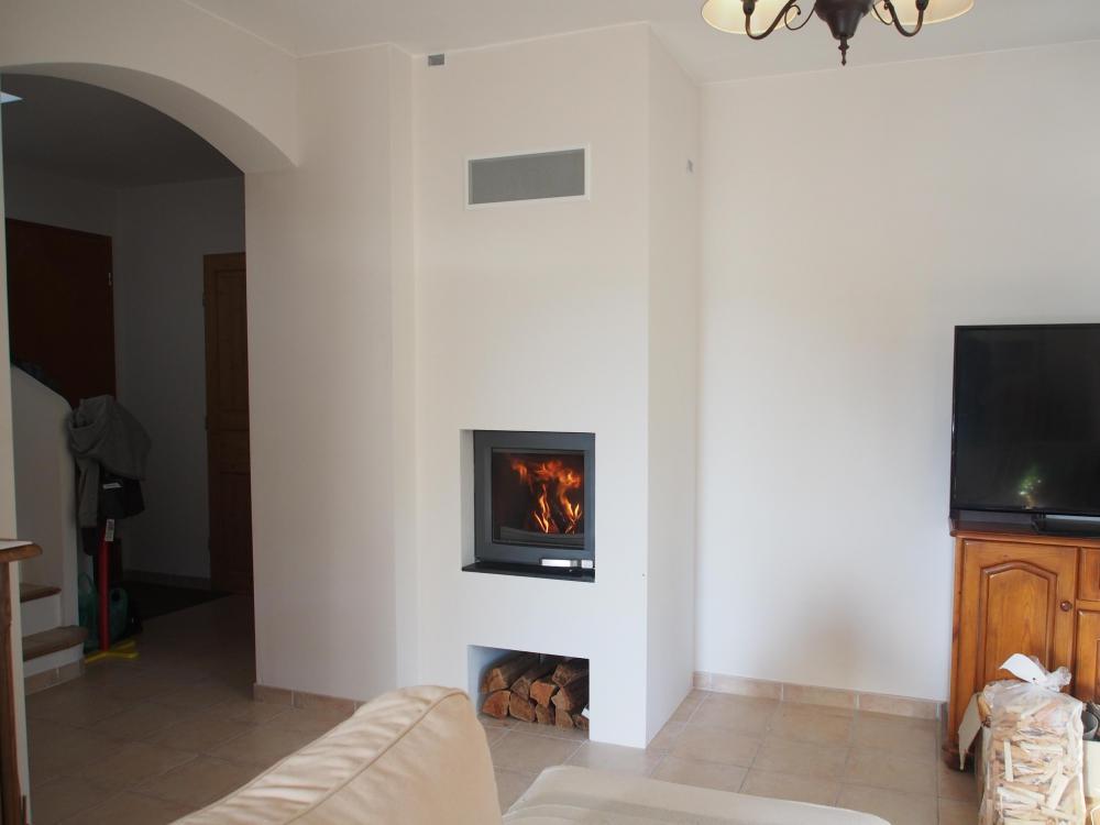 impressionnant petite cheminee a bois 11 petite chemin e du0027angle de type encastr avec un. Black Bedroom Furniture Sets. Home Design Ideas